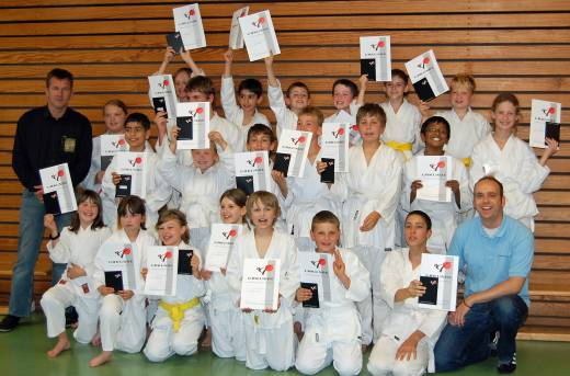 files/angebote/Karate/Karate-Pruefungen09.jpg